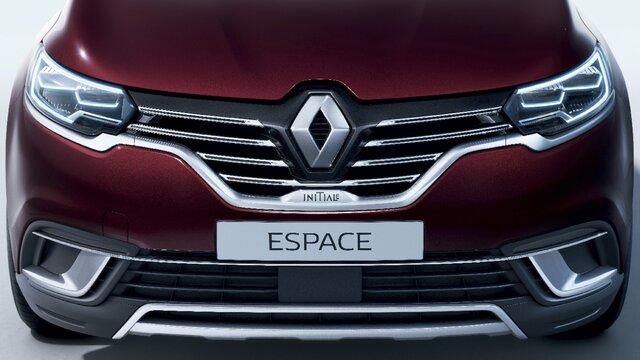 Az Új Renault ESPACE INITIALE PARIS egy nagy méretű, elegáns és gondosan kialakított crossover.