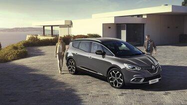 Renault Grand Scénic en la playa