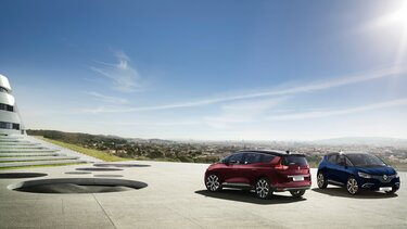 Renault Grand SCENIC on the road