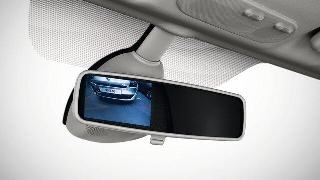 Kamera og parkeringssensor bag på bilen