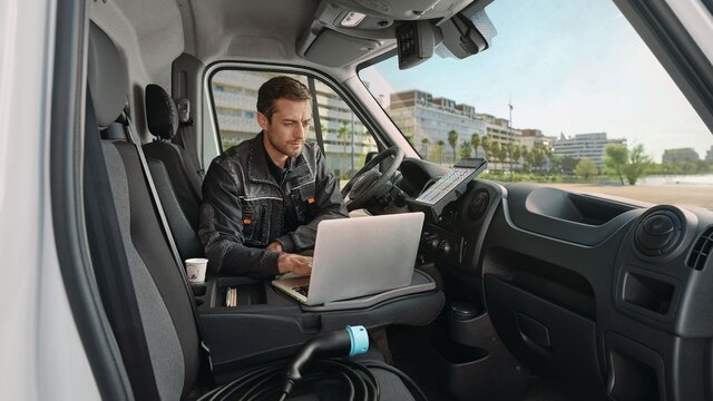 Renault - MASTER Z.E. Connected services