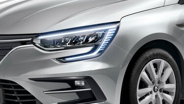 New MEGANE Sport Tourer exterior headlights