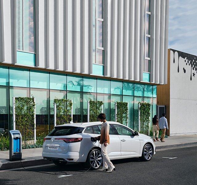 MEGANE Grandtour E-TECH Plug-in – das aufladbare Hybridfahrzeug