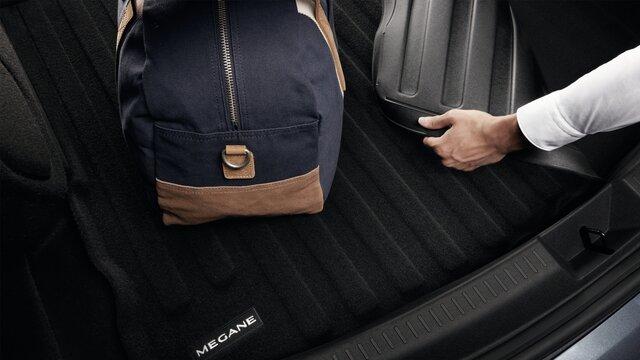 MEGANE Grand Coupe reversible boot bin