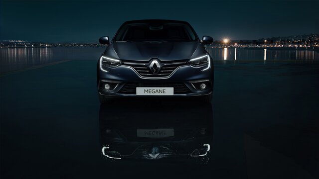 MEGANE Grand Coupe headlights at night