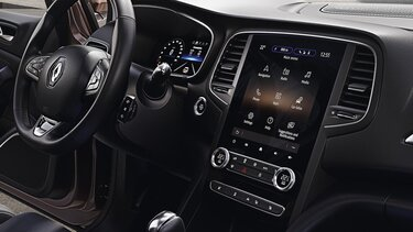 MEGANE Sedan EASY LINK – obrazovka multimediálního systému