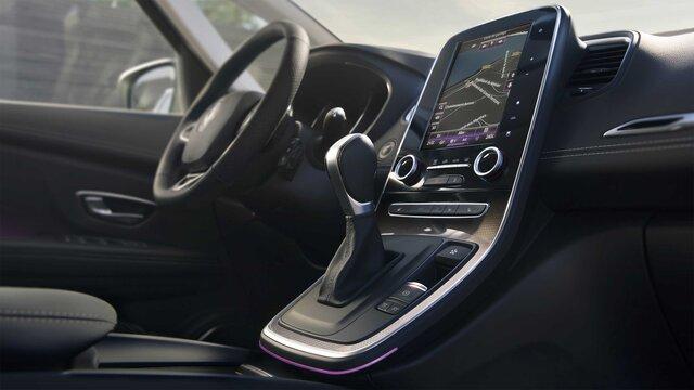 Cockpit im Renault Scénic