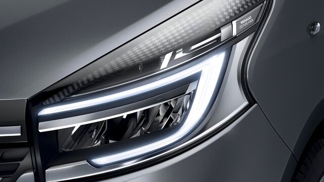 TRAFIC Passenger lighting signature and full LED headlights