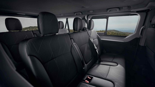 New TRAFIC Passenger spacious interior with up to 9 seats
