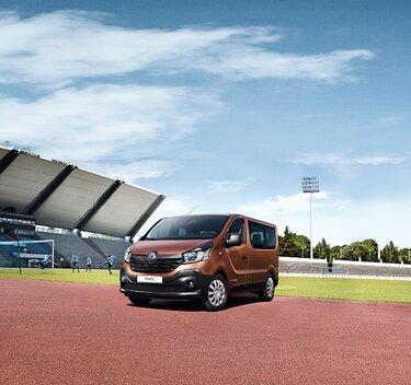 Renault TRAFIC Passenger dall'esterno