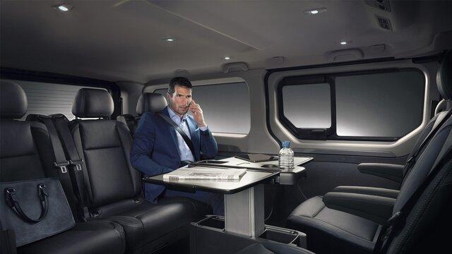Renault TRAFIC SpaceClass – dodatna oprema za klupu