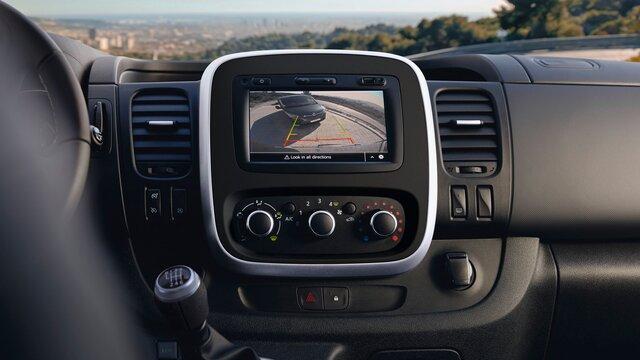 Ayuda al aparcamiento delantero y trasero, y cámara de visión trasera
