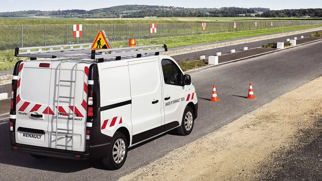 Renault TRAFIC Leiter an der rechten Hecktür