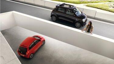 Renault TWINGO - Dois veículos em movimento