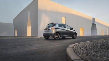 Modrý Renault ZOE zozadu