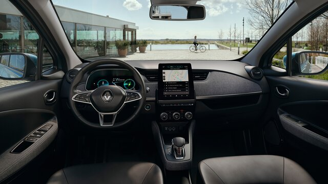 Renault ZOE interior dashboard