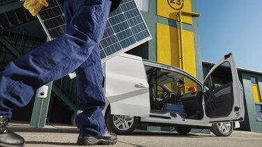 Firemní zákazníci Renault: související služby - asistence - plány údržby