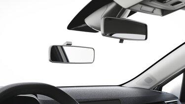 Fahrschulfahrzeug doppelter Rückspiegel innen