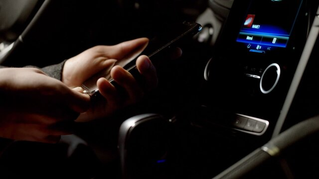 Android Auto™ para R-LINK 2*