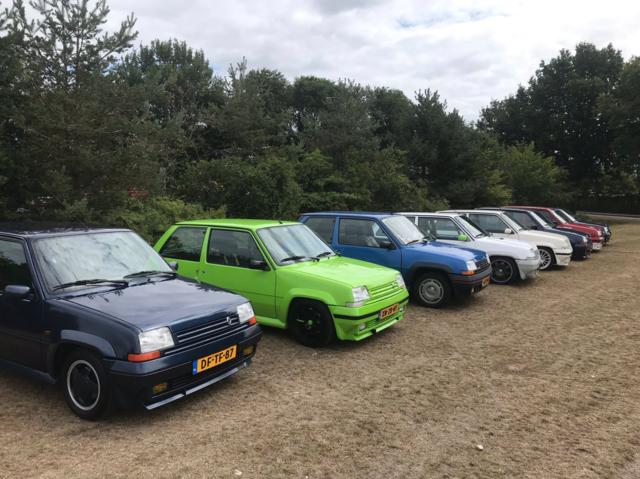 Renault 5 GT evenement op een rij