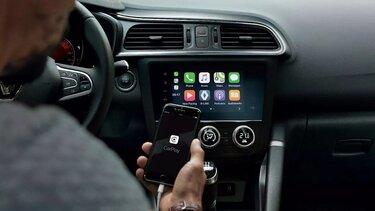 5 podcasts voor in de auto