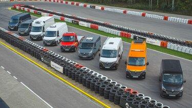 Gama samochodów dostawczych Renault na torze