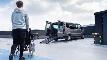 Samochód Renault do transportu osób niepełnosprawnych