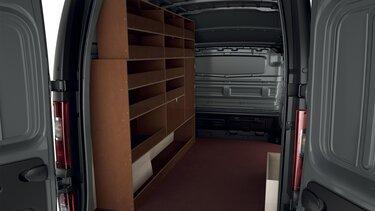 furgon warsztatowy Renault w środku
