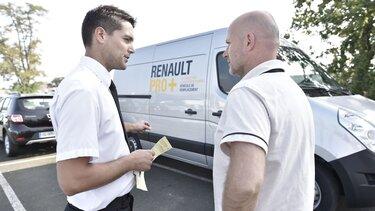 renault master przed biurem RENAULT PRO+