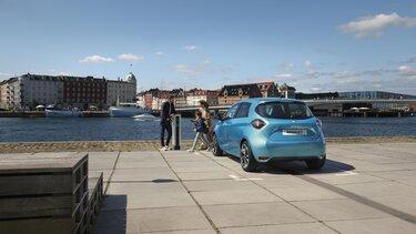 Renault Zoe E-Tech elektryczne tył w kolorze niebieskim