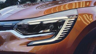 CAPTUR SUV przód w kolorze pomarańczowym