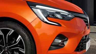 CLIO exterior laranja