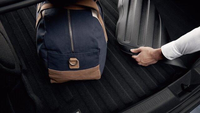 Caixa fundo de bagageira reversível