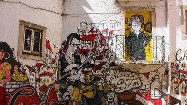 Mural-ao-Fado-Vadio-roteiro-turistico-arte-urbana