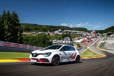 MEGANE R.S. TROPHY-R: record pe Spa-Francorchamps