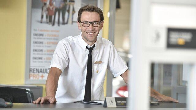 Reprezentanțe Renault Pro+ - Persoane de contact dedicate clienților societăți comerciale