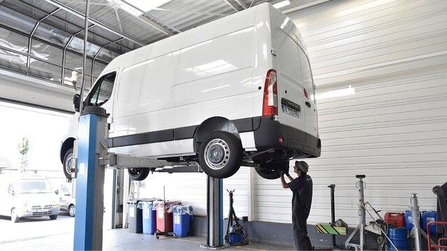 Servicii profesioniste dedicate - Întreținerea autoutilitarelor - Reparații Renault Master