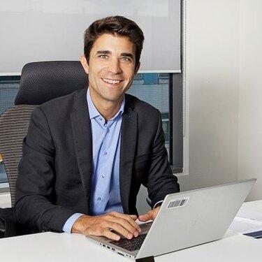 1 сентября 2019 года Оливье Кемпф назначен на должность директора по маркетингу Renault Россия