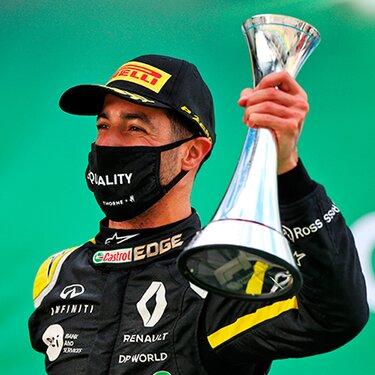 FIA Формула-1 в 2016 году команда Renault DP World F1 Team поднялась на подиум