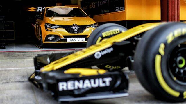 MEGANE R.S Trophy racing