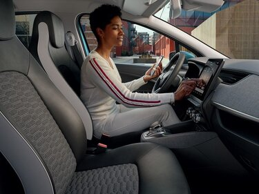Renault EASY CONNECT: завжди на зв'язку