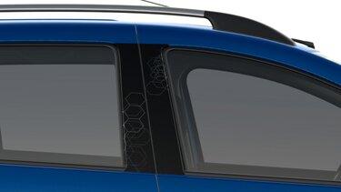 Віконні стійки із синім графічним принтом